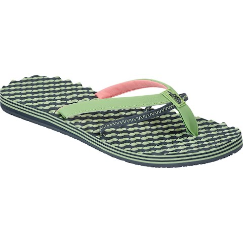 The North Face Women ' S Base Camp 5 - Point Sandals - Budding Green / Spruce Green