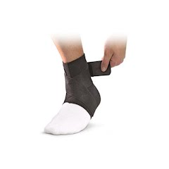 Mueller Neoprene Blend Ankle Support with Straps Image
