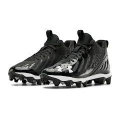 Under Armour Boys' UA Spotlight Franchise Wide Jr. Football Cleats Image