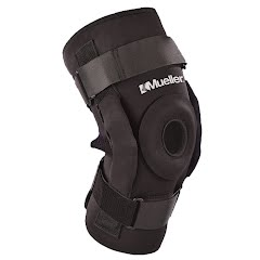 Mueller Pro Level Hinged Knee Brace Deluxe Image